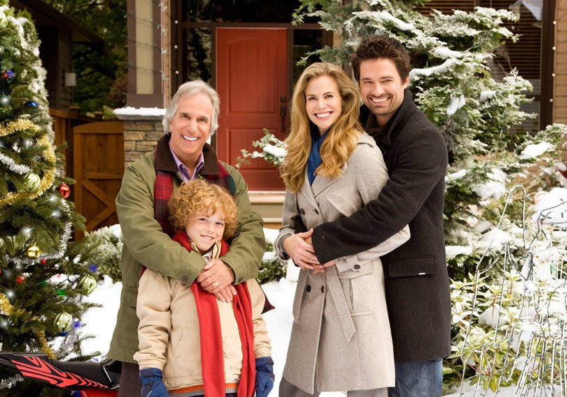 Henry Winkler as Uncle Ralph and co-stars in The Most Wonderful Time of the Year