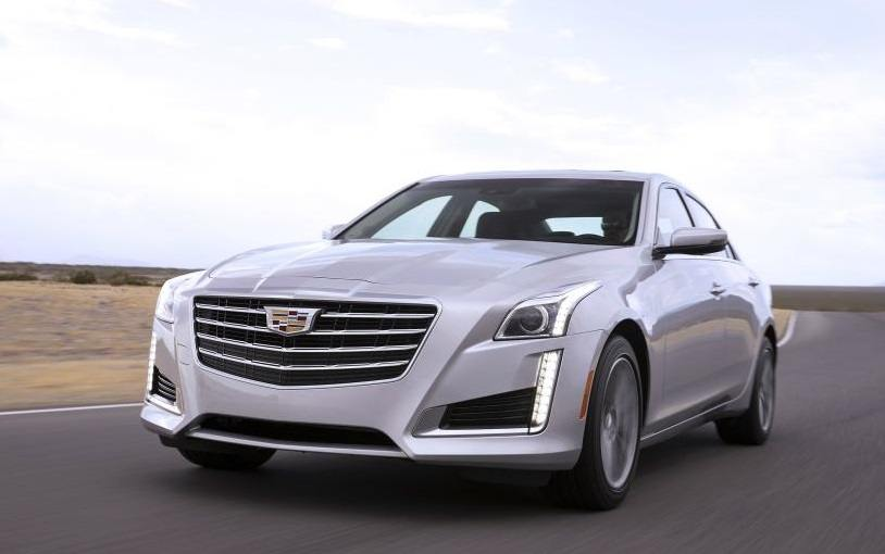 Front three-quarter view of silver Cadillac CTS from 2017 model year