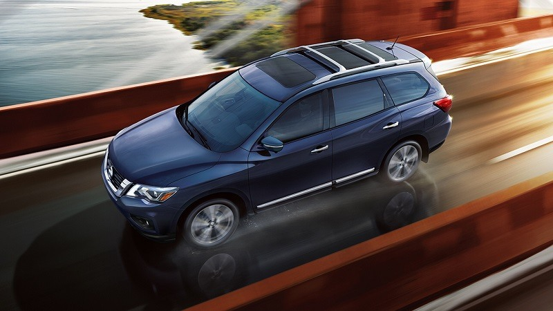 Overhead view of blue Nissan Pathfinder for 2018
