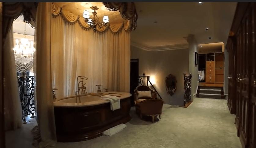 Celine Dion Bathroom