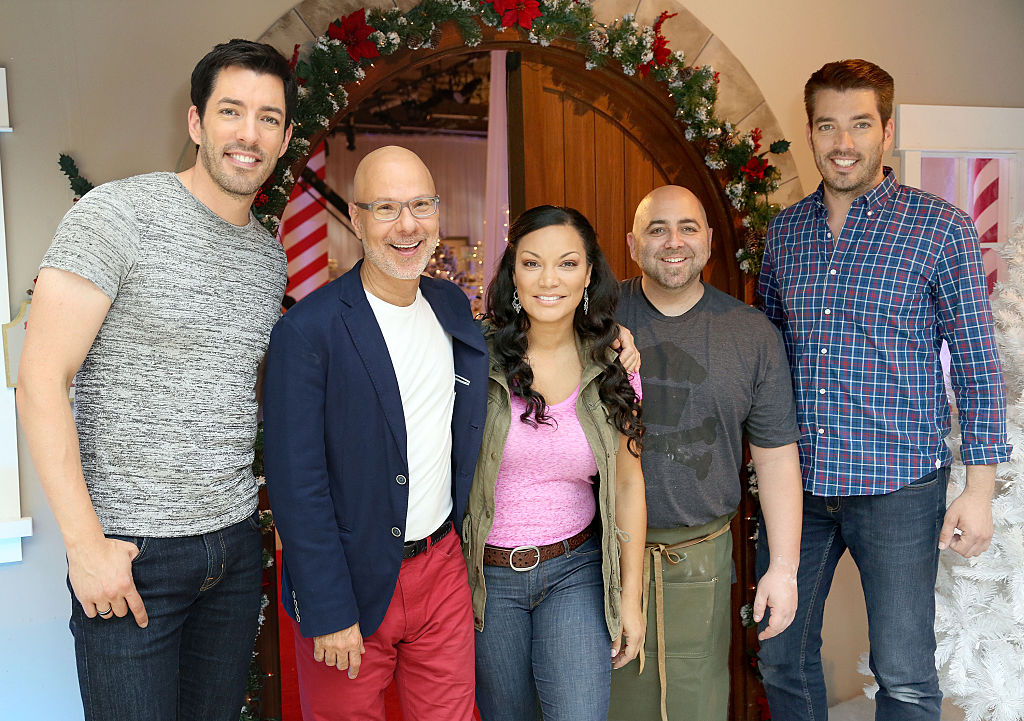 Drew Scott, Ron Ben-Israel, Egypt Sherrod, Duff Goldman, and Jonathan Scott visit with fans.