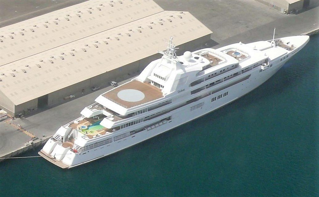 Dubai luxury Yacht
