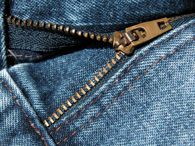 jeans zipper unzipped