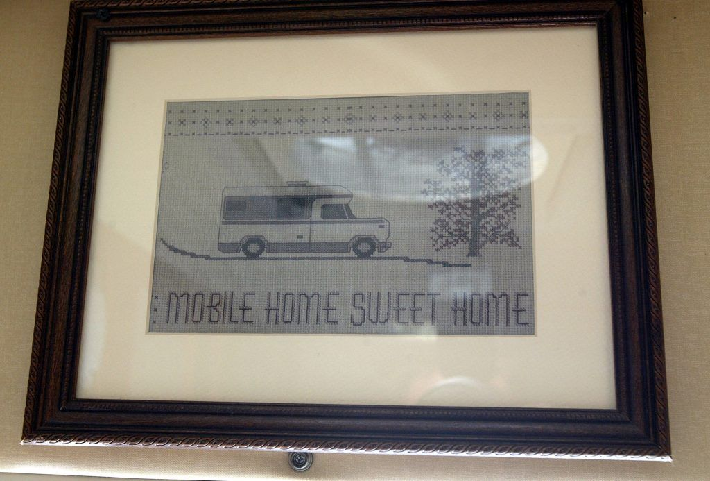 mobile home sign