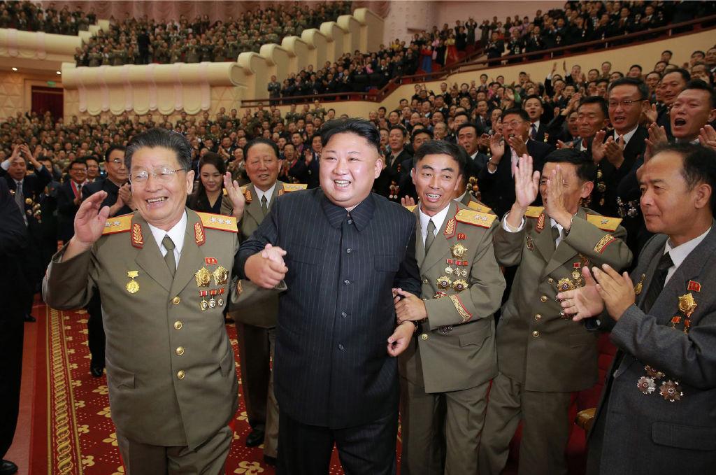 KIm Jong Un with military directors