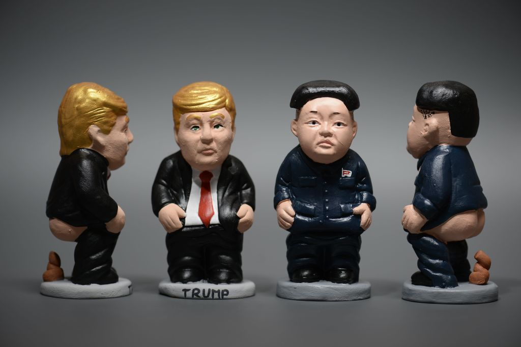 caganers that look like donald trump and kim jong un