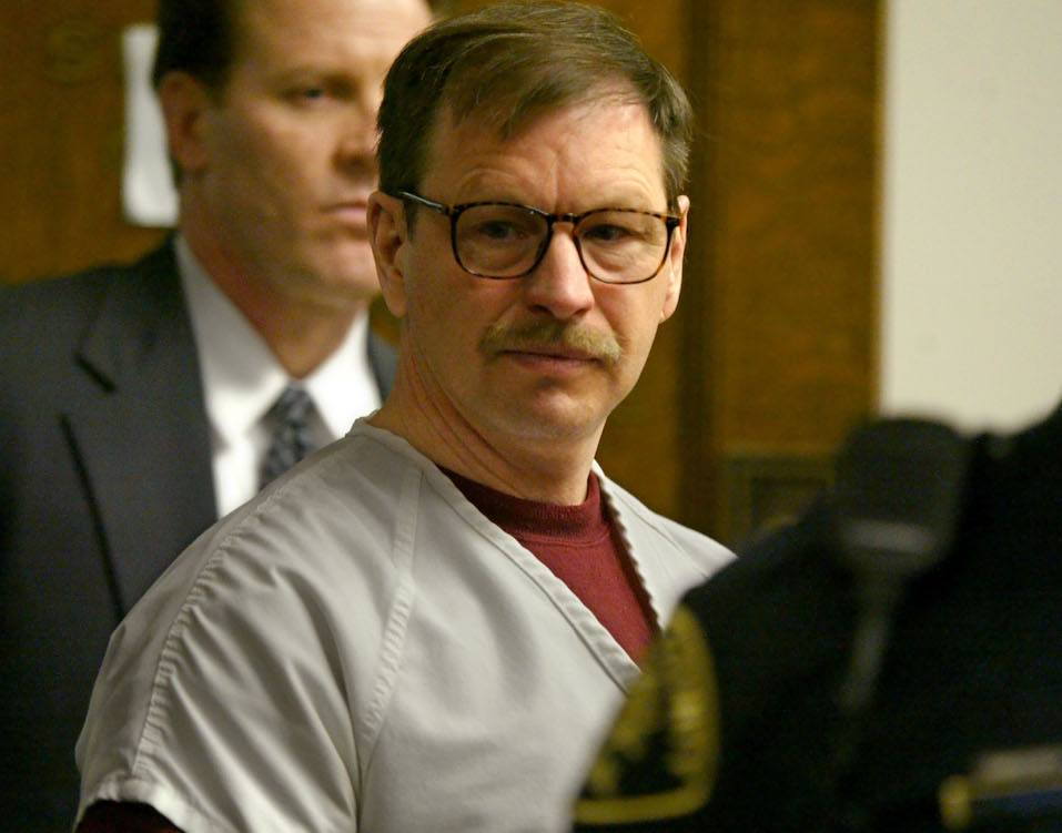 Gary Ridgway prepares to leave the courtroom where he was sentenced in King County Washington Superior Court