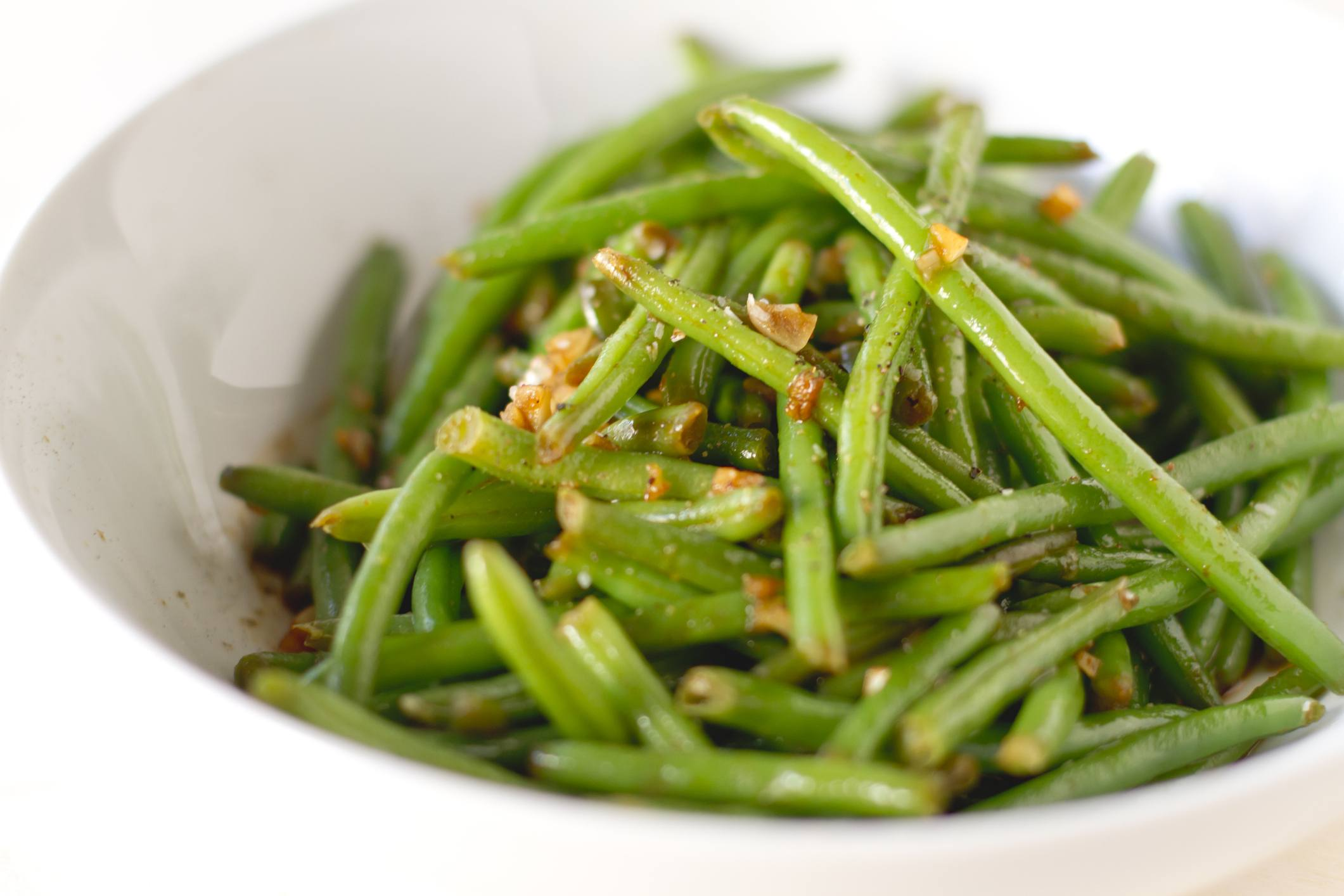 Spicy haricot vert green beans in a bowl.