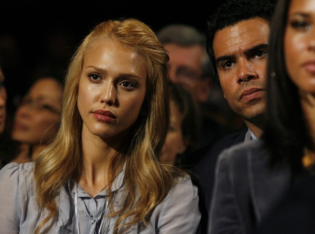Jessica Alba watches U.S. President Barack Obama deliver remarks at the 2009 Clinton Global Initiative.