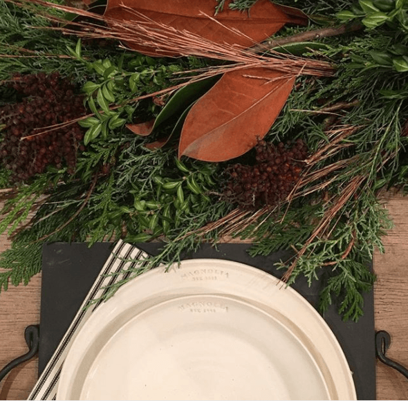 Joanna-Gaines-Thanksgiving-table