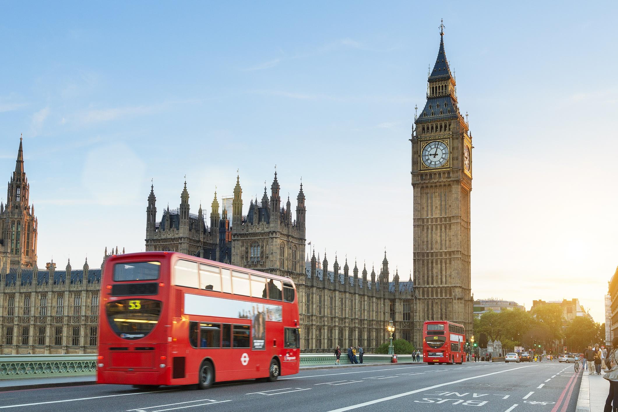 London, Traffic on the Westminster bridge