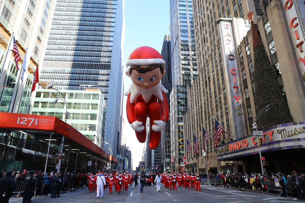 The Elf on the Shelf balloon