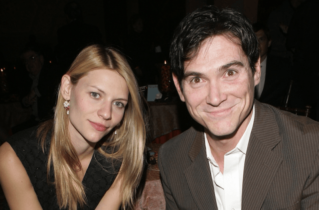 Billy Crudup and Claire Danes sitting together on a couch.