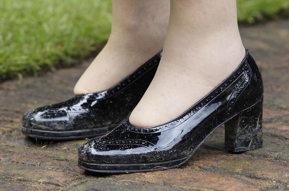 A detail of Queen Elizabeth II's shoes
