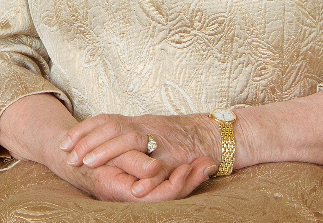 Close up of Queen Elizabeth's hands