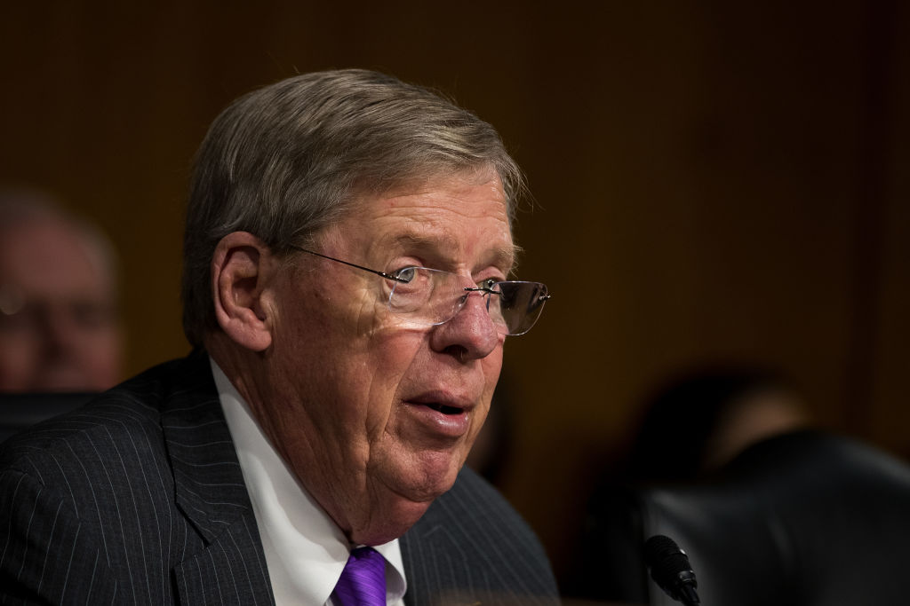 Committee chairman Sen. Johnny Isakson (R-GA) questions David Shulkin, President Donald Trump's nominee for Secretary of Veterans Affairs