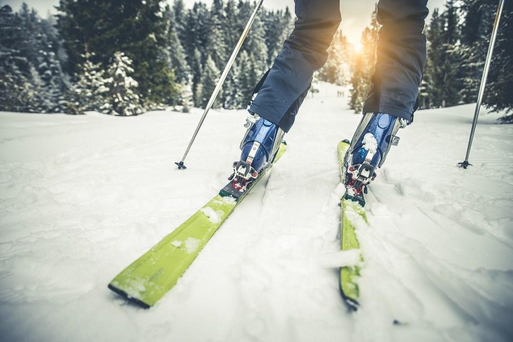 Feet of Skier on the mountain