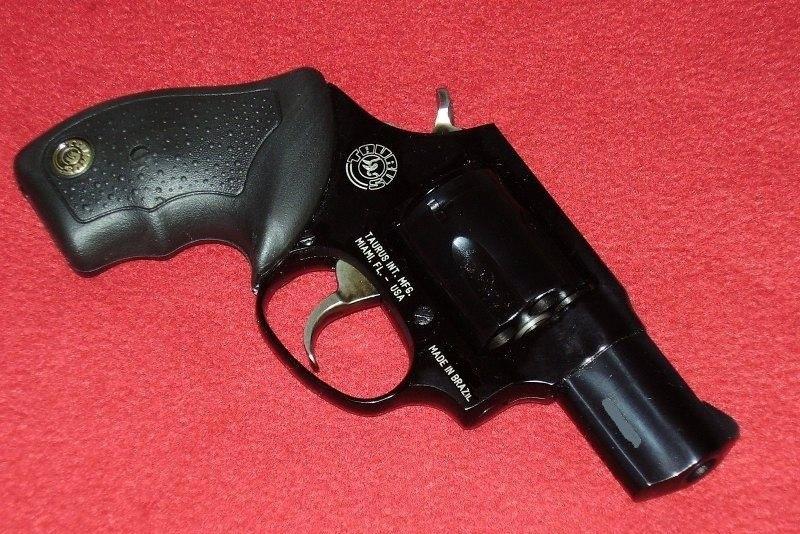 Taurus Model-85-revolver