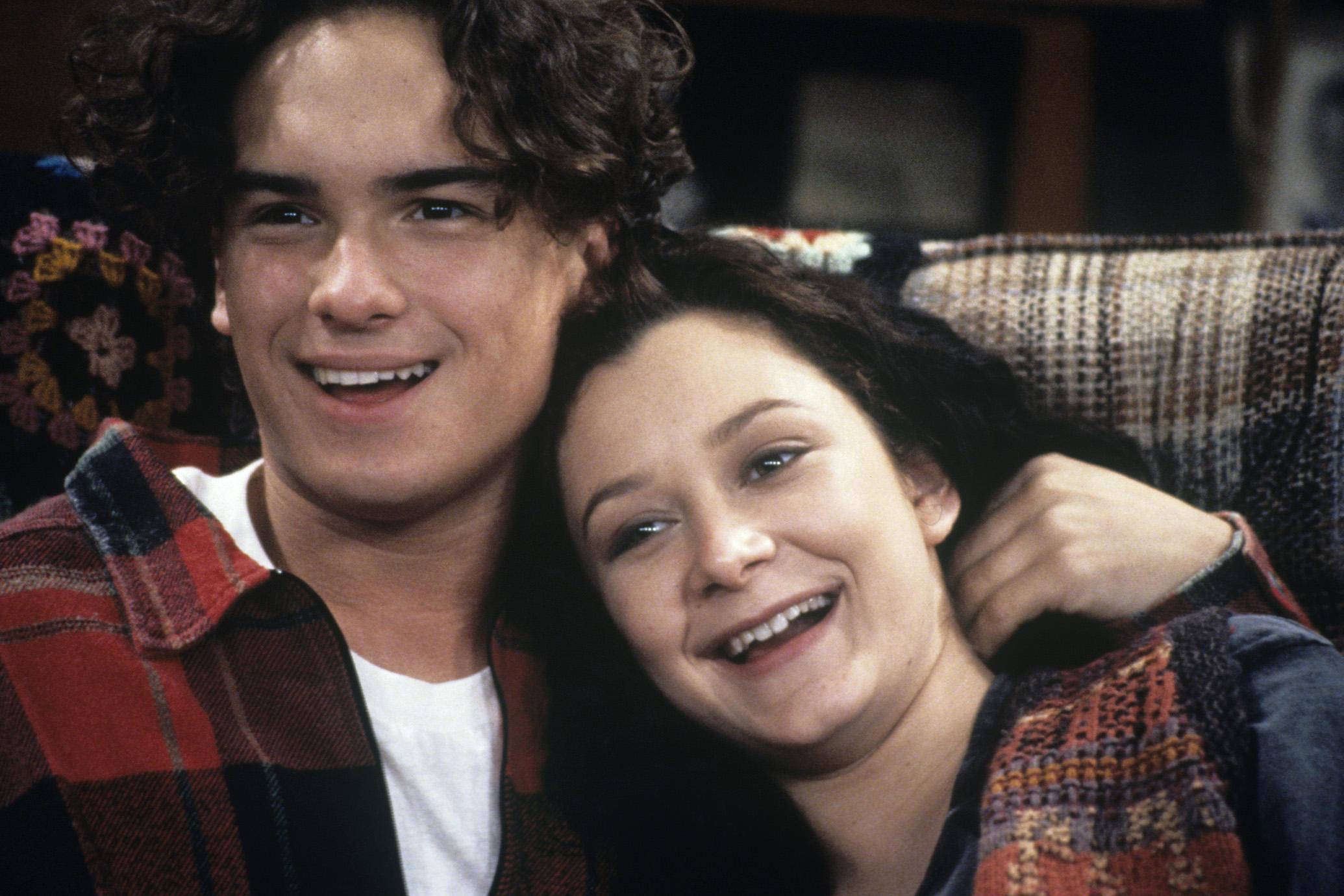 Johnny Galecki as David Healy and Sara Gilbert as Darlene Conner on Roseanne