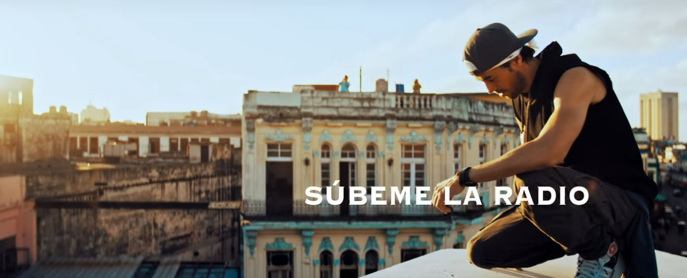 Enrique Iglesias – Súbeme la Radio (Official Video) ft. Descemer Bueno, Zion & Lennox