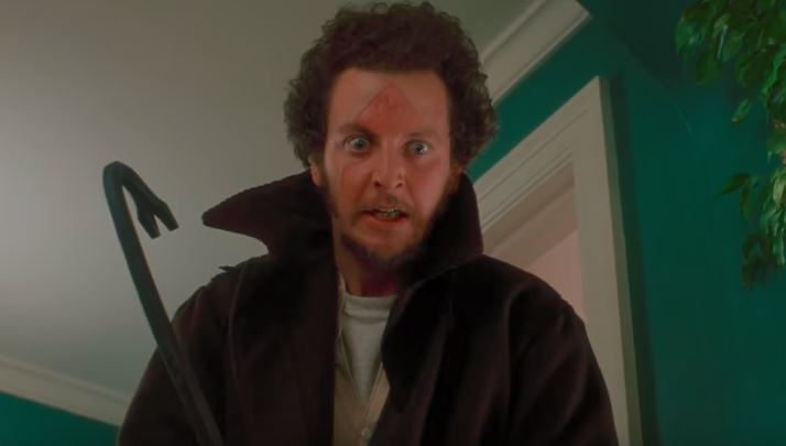 marv with a crowbar in home alone