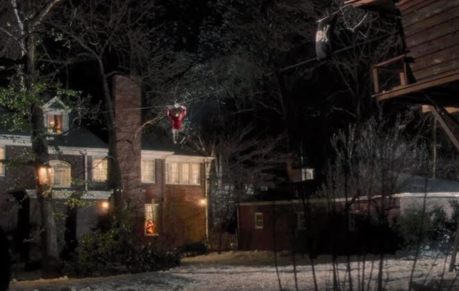 kevin ziplines to the treehouse in home alone