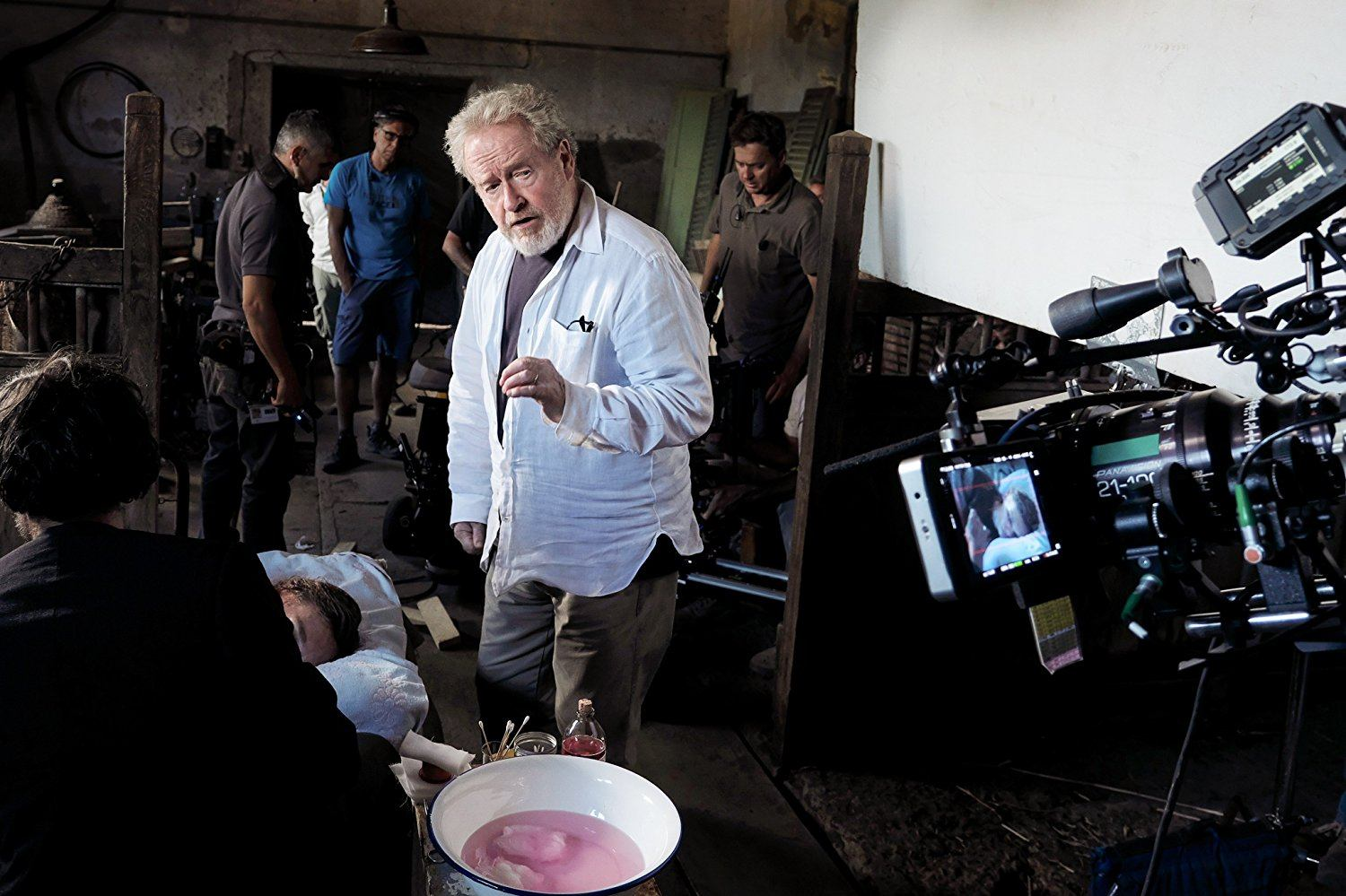 Ridley Scott behind the scenes of All the Money in the World