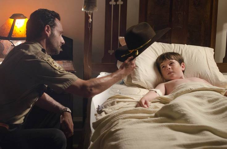 Rick hands Carl his sheriff's hat