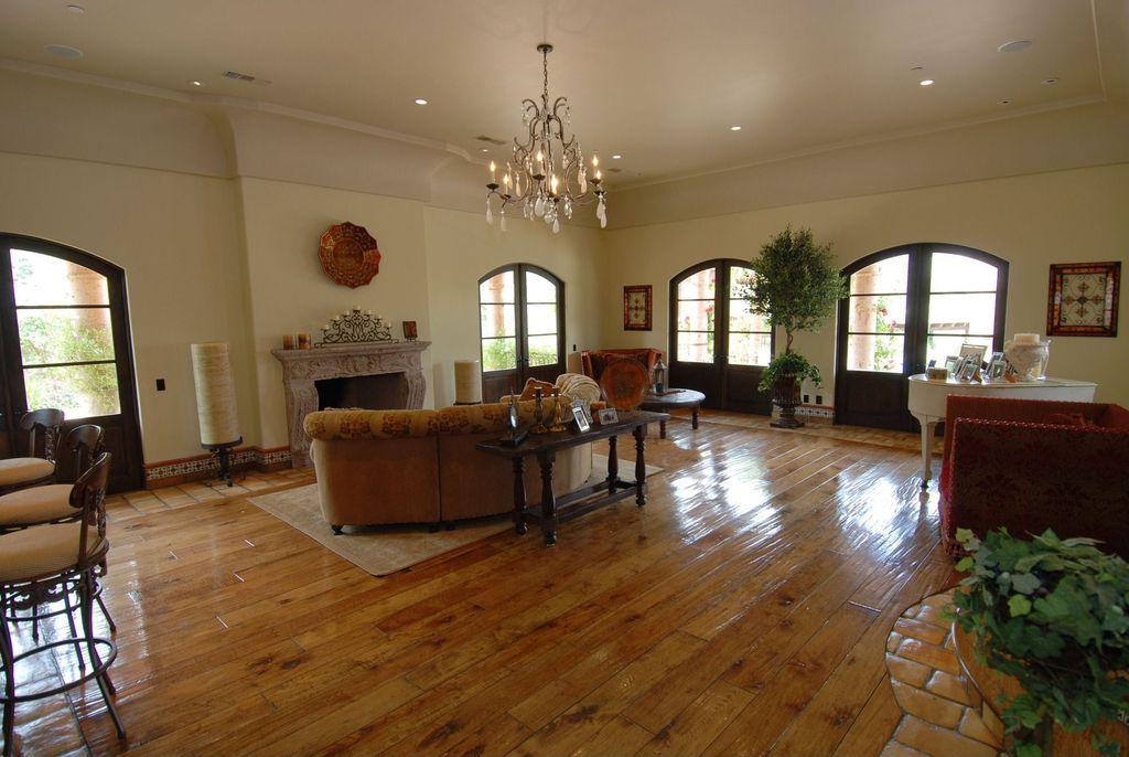 Bachelor Bachelorette House living room