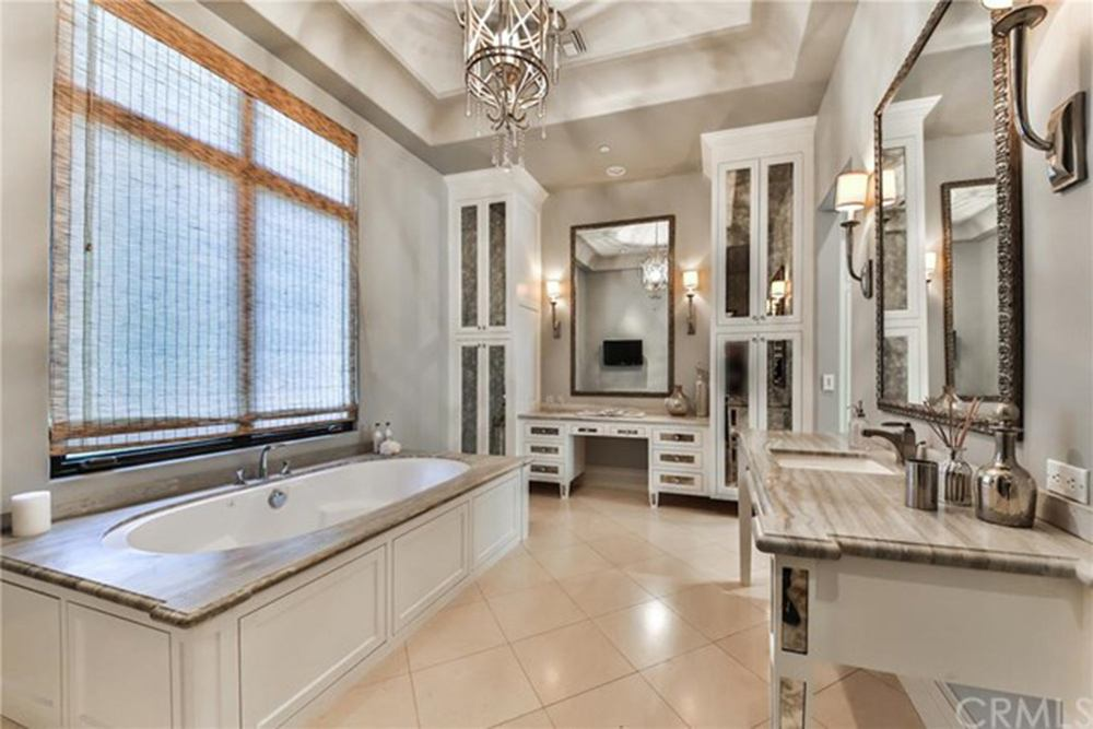 Britney Spears' master bath