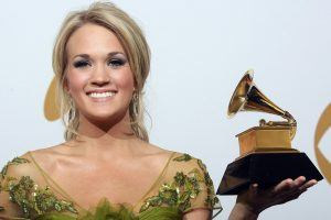 These Photos of Carrie Underwood Before and After Her Accident Are Still Leaving Us Confused About What Happened