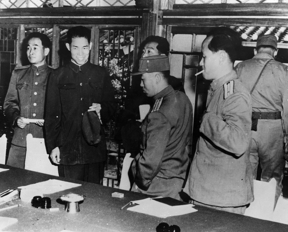 Chinese and North Korean officials at Kaesong