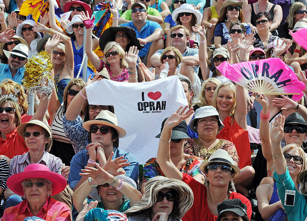 fans cheer for oprah in sydney, australia
