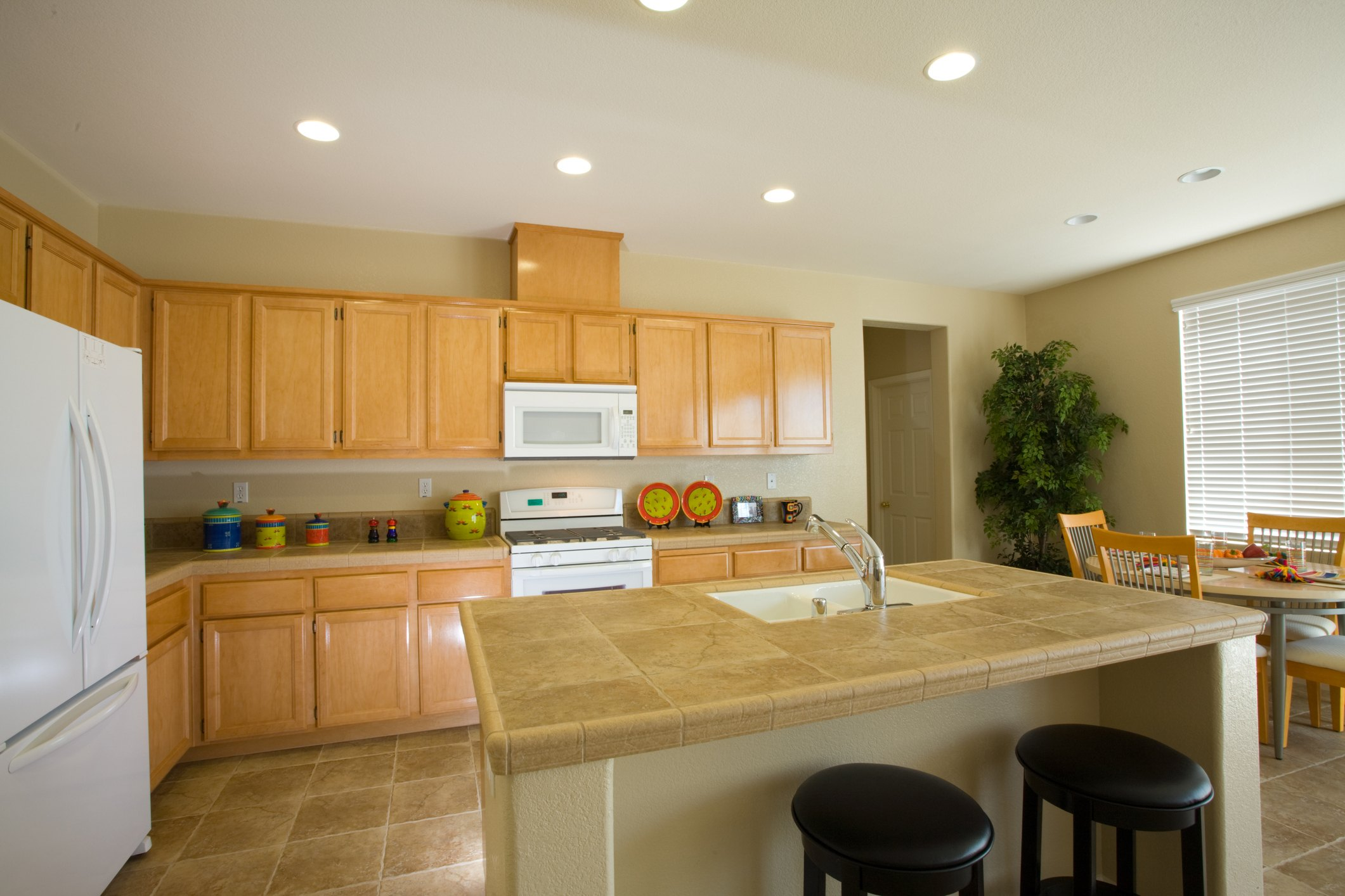 kitchen with oak cabinets