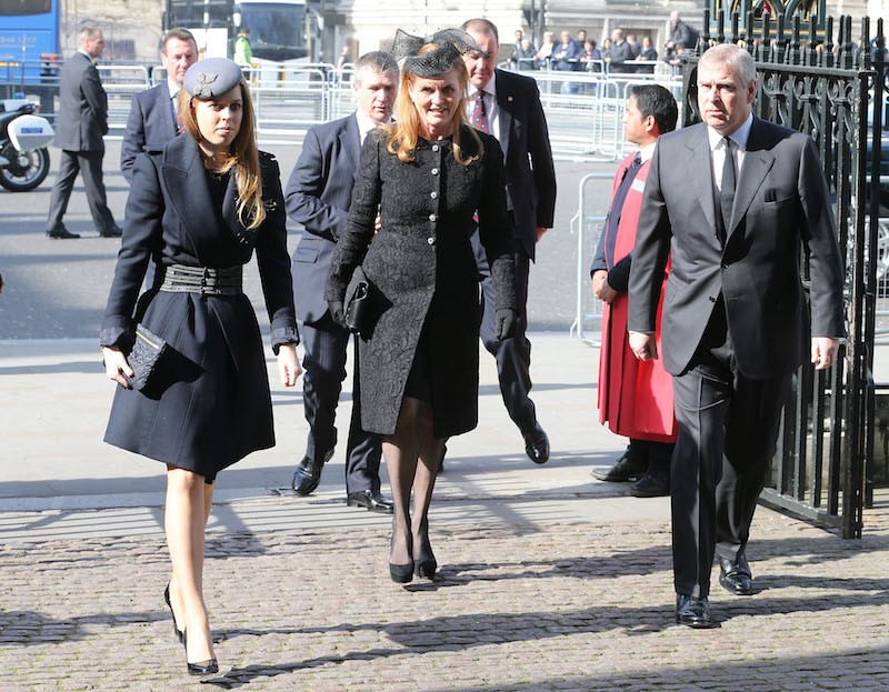 Princess Beatrice, Sarah Ferguson and Prince Andrew, Duke of York attend a memorial service for Sir David Frost at Westminster Abbey on March 13, 2014 in London, England. (Photo by Chris Jackson/Getty Images)