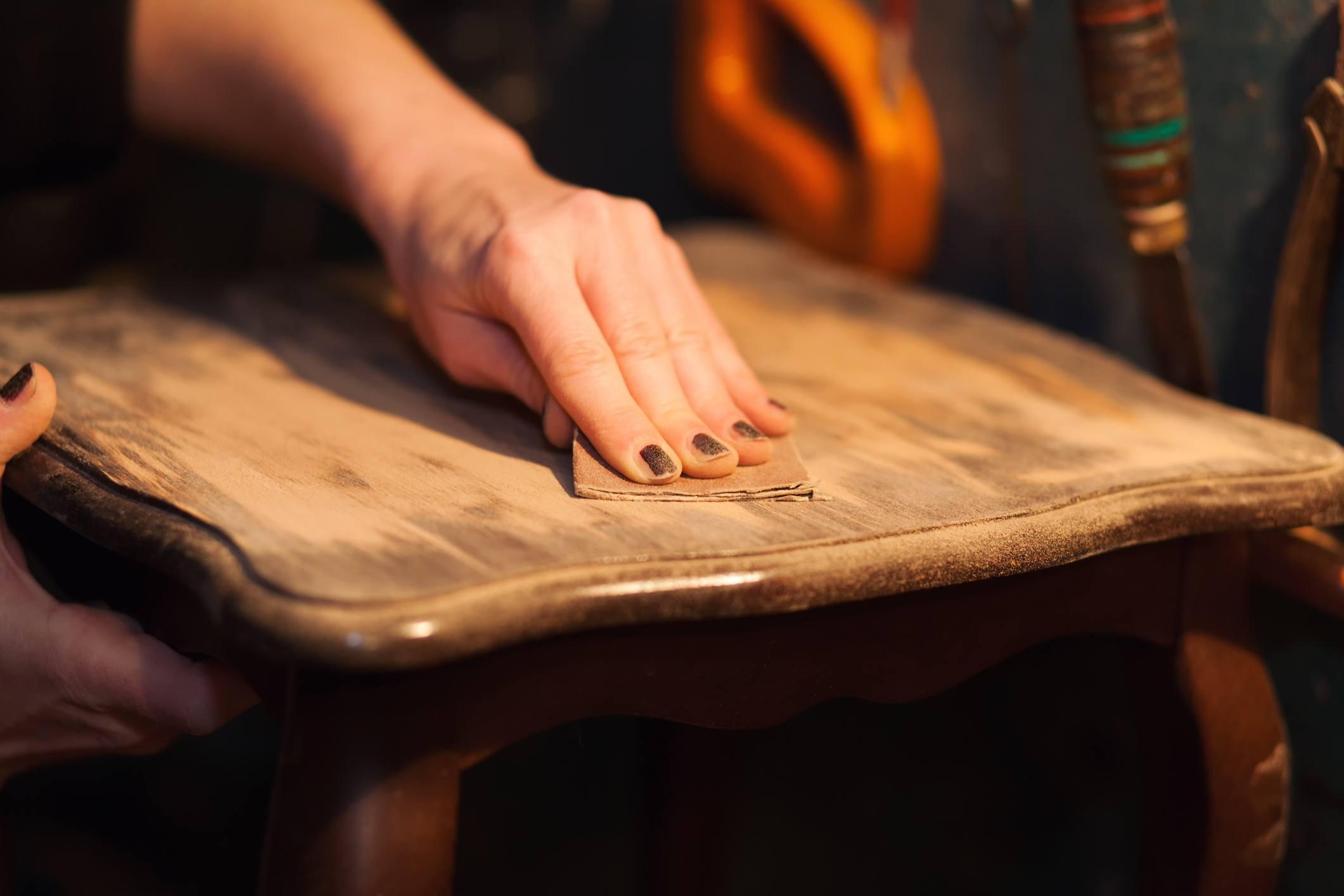 sanding wood table