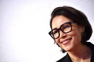 How Can You Survive a Toxic Work Environment? Here Are Ann Curry's Secrets