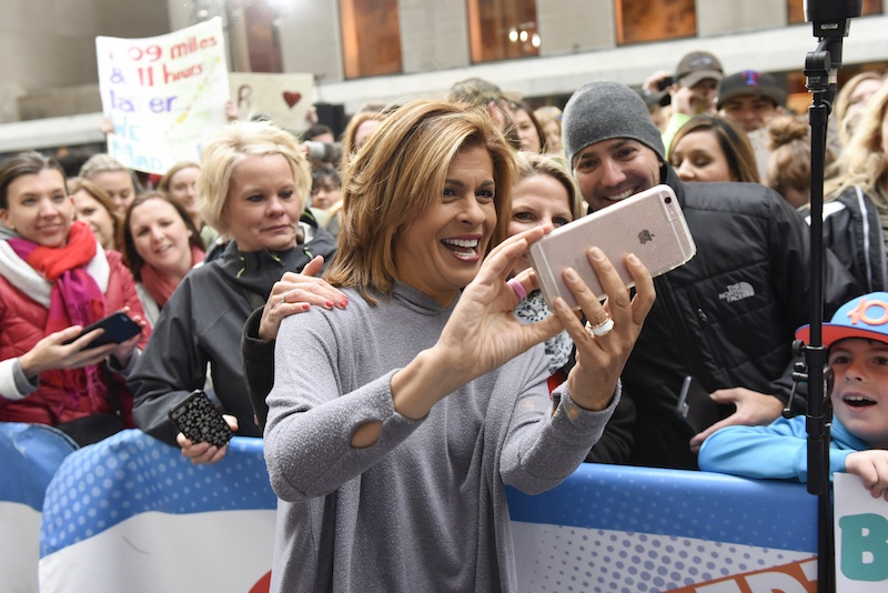 Hoda Kotb poses for a selfie with fans