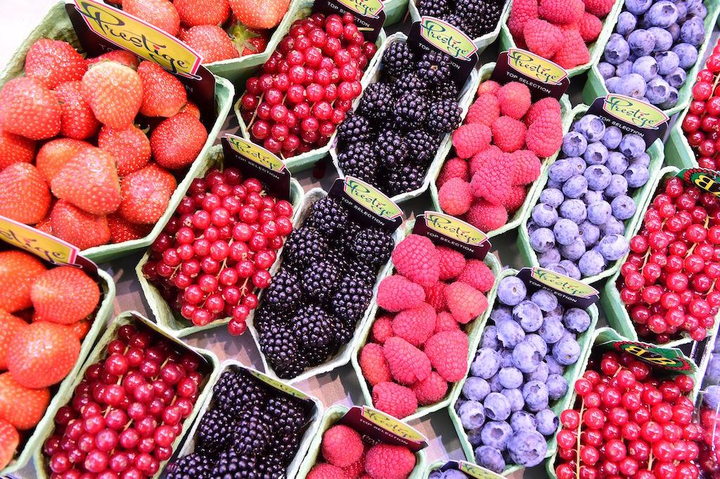 Strawberries, red currants, blackberries, raspberries and blueberries