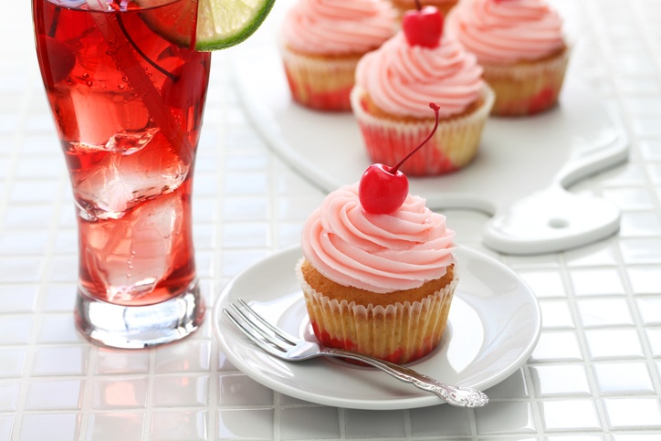 a Shirley Temple and cupcakes