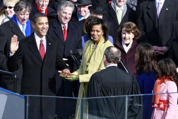 barack obama getting sworn in by justice john roberts