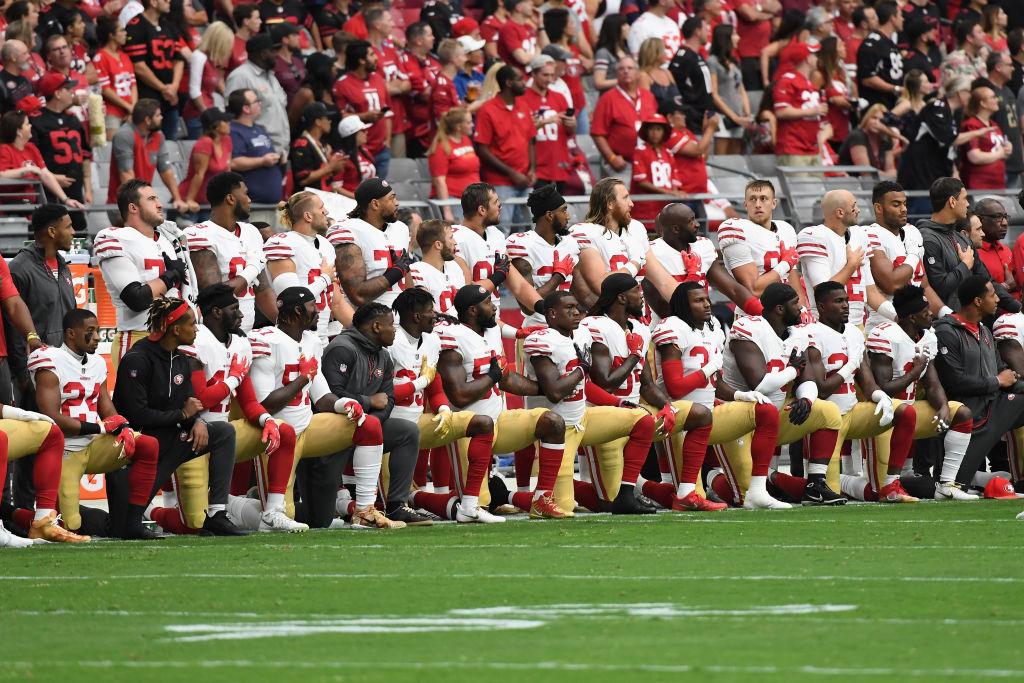 san francisco 49ers kneeling