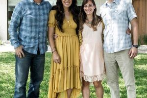 Style Tips We Learned From Fixer Upper's Joanna Gaines' Reveal Day Outfits