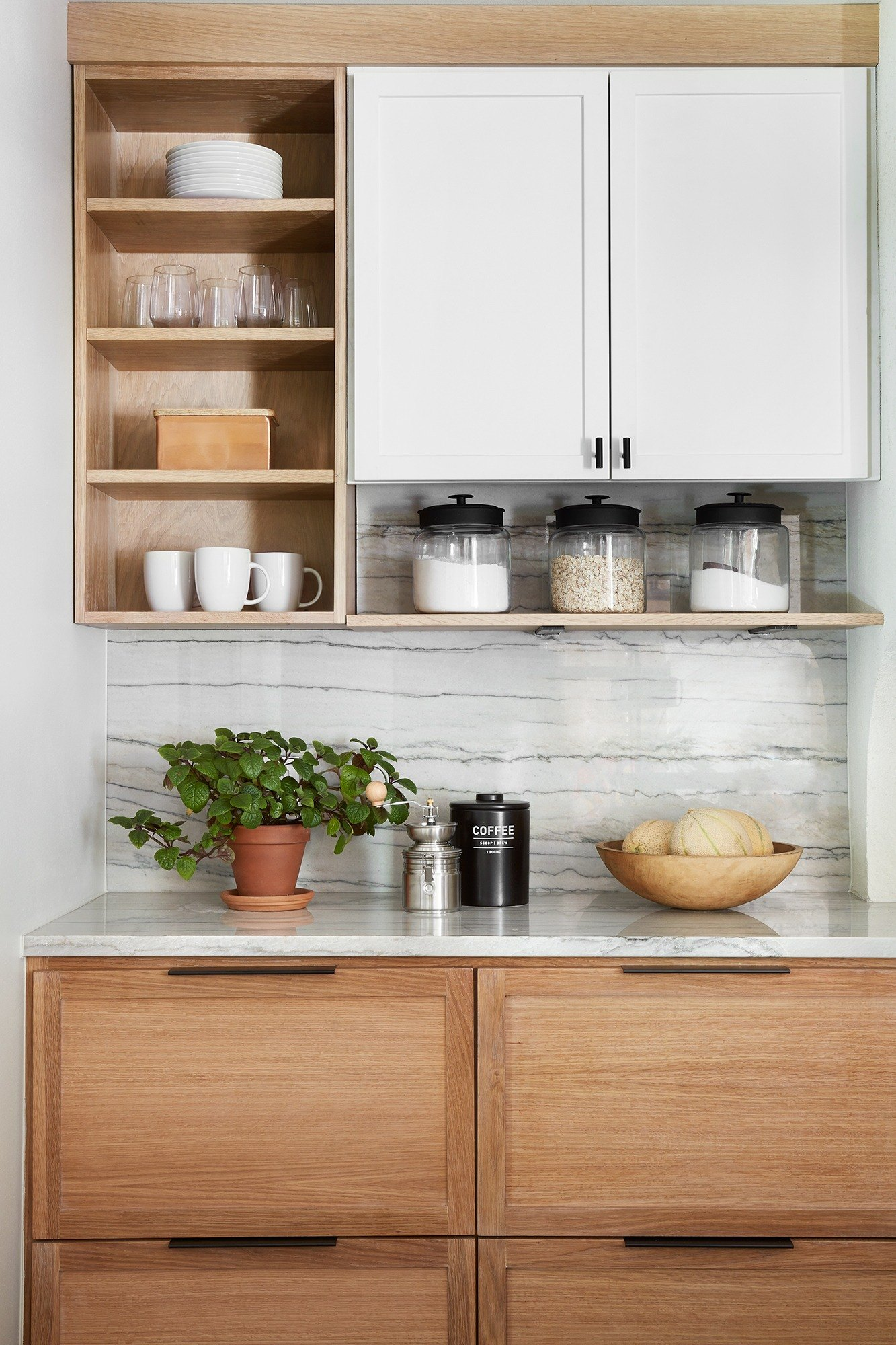 La Pequeña Colina house cabinets fixer upper