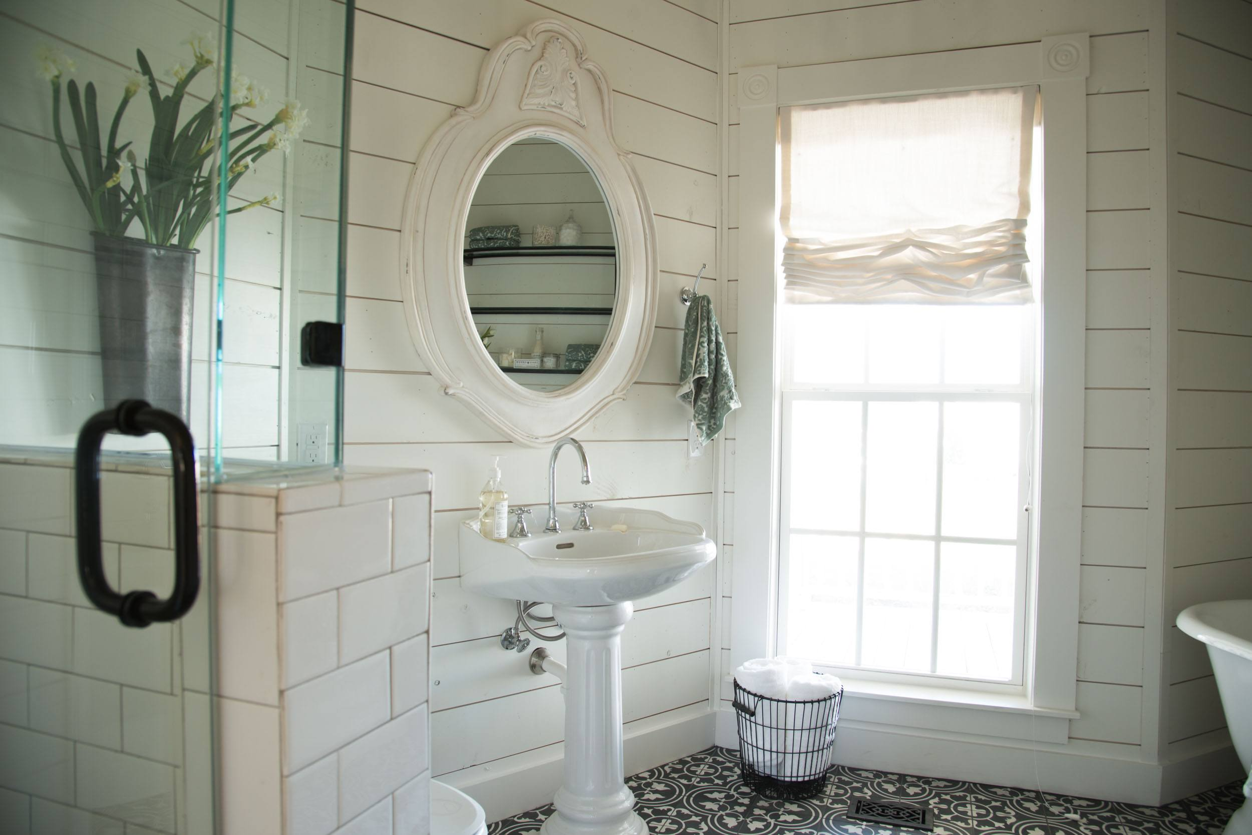 Joanna Gaines Has These Brilliant Tips For Creating The Perfect Master Bathroom