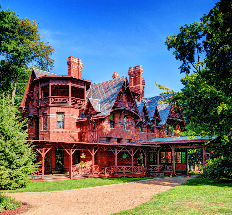 Landscape of the mark twain house.