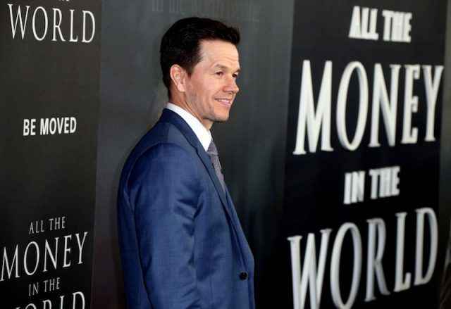 Mark Wahlberg posing at the movie premiere.
