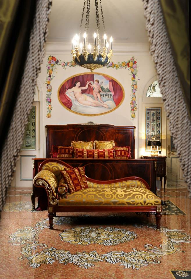 Gianni versace inside the late designer 39 s miami mansion for Gianni versace home