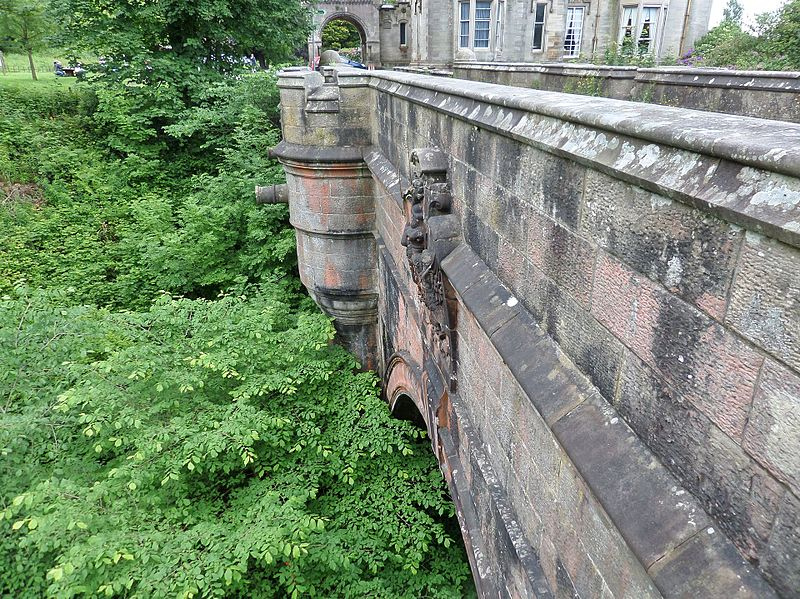 Overtoun bridge scotland