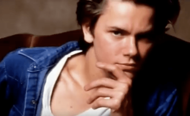 Headshot photo of River Phoenix.